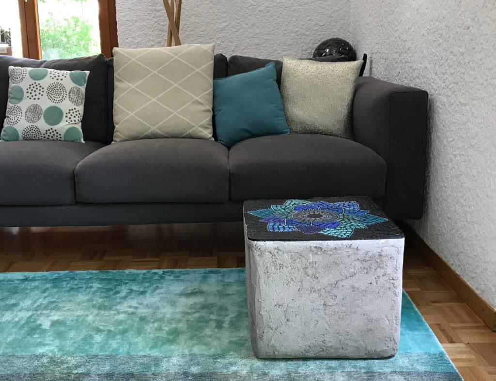 table-cube-beton-mosaique